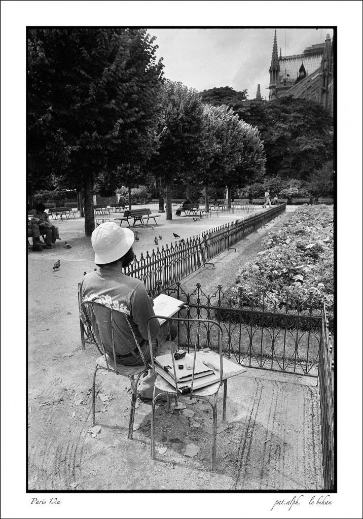 PARIS 1975 a ......
